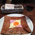 ブレッツ カフェ クレープリー - コンプレット850円,グラスワイン550円