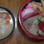 菊寿司 - ランチ(ちらし寿司&味噌汁)