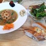34575077 - スープランチ 鶏肉と根菜