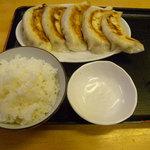 ひかり食堂 - Bセットのライスと餃子