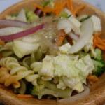 ピエトロ・コルテ - 野菜はドレッシングを変えることで、何度かお代わりする毎に新鮮な気持ちになる。