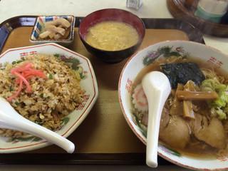 天よし食堂 - チャーハン¥450ラーメン¥400