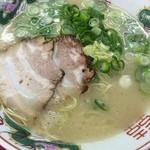 長浜ラーメン 味のまんぷく - 料理写真:ラーメン(480円)