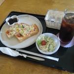 コーヒーハウスさざなみ - 料理写真:ピザトーストセット(ドリンク付)  450円