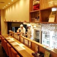 京ごはんふわっとふわっと - 木のカウンターで、更に温かい空間で美味しい笑顔を(^O^)/