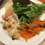 イルプレゴ - ランチの前菜・サラダ・パンはビュッフェ形式