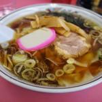 恵華 - ワンタン麺全景