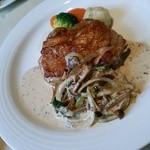 マペット - 阿波鶏モモ肉のロースト粒マスタードソース
