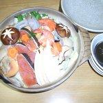 """ふぐ・ちゃんこ鳥義 - 肉よりも魚 という人向けの""""海鮮ちゃんこ"""""""