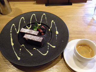 KINOKUNIYA vino kitchen - チョコレートケーキセット¥420+¥200
