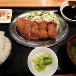 博多八郎 - 豚カツ定食(日替り)500円