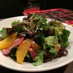 カラオケ バル - 鴨肉サラダ
