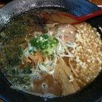 Ramenchanya - 濃厚な味わいの「濃厚魚介醤油ラーメン」に、アーサを追加