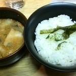 翔山 - つけ麺のスープとライス