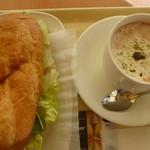 ドトールコーヒーショップ - 料理写真:ビーフとデミグラスソース、ロイヤルショコラ