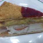レパコ - ケーキがでかいです!ミルフィーユ430円