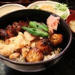 串若 - 焼き鳥丼 830円。