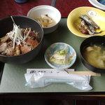 民宿&和風グリル瀬戸 - 料理写真:能登丼