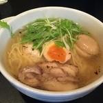 繁屋 - 鶏そば 塩 (650円)