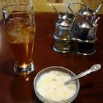スアンサワン - ジャスミン茶とタピオカスープ