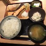 新和食 伊達 - 鮭の胡麻だれ焼き定食