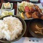 ファミリーレストラン諏訪村 - 料理写真:ミックスフライ定食