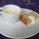 Domusu - 蕪のスープとオリーブオイルのシフォンケーキ