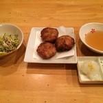 京風 里のうどん - 左;鶏ザーサイ、里芋のふわとろ揚げ、天つゆ