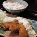 Suigen - ランチ「タルタル白身魚定食 890円」白身魚アップ