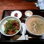 3464467 - 鶏肉の味噌炒め丼&葱汁そば