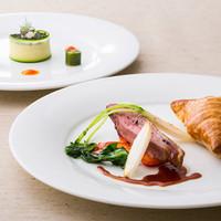 キュイジーヌ エスト - 前菜からデザートまで、下記メニューよりお好きな料理をお選びいただける プリフィックスコース「LUNA」。