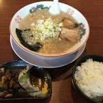 じゃん腹 - じゃん腹しょうゆラーメン+ランチセット(690+0円)