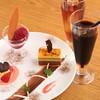 カサ ノバ - 料理写真:パティシエ特製のデザートも色々ございます。