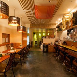タイ人シェフと日本人シェフの合作料理が多彩に