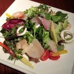 タム・トルネード - 魚介たっぷり海鮮サラダ(2015/01/27撮影)