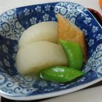 松月食堂 - 「日替定食」大根煮物