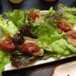 34658597 - 黒豚バラ肉のちしゃ巻き コチジャン添え 550円(税込)
