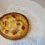 レストラン エピファニー - 前菜:キッシュロレーヌ(ベーコン入りチーズパイ)