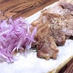 さかずき屋 - ルスツ産:もち豚塩焼