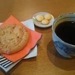 cafe かわのほとり - コーヒー&ソフトクッキー