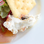 レストランミケイラ - ドライフルーツ入りクリームチーズ
