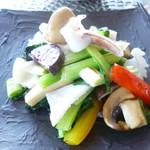 Shirinfanronyun - 新鮮イカのあっさり炒め