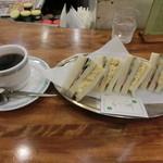 ダイヤ - モーニング\380 ミックスサンドイッチ・コーヒー