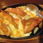 居酒屋 ゆた - ポテトのチーズ焼き(650円)