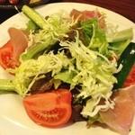 居酒屋 ゆた - 野菜サラダ(680円)