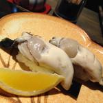 蛇の目鮨 - 生牡蠣握り\一貫200yen