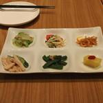 南国酒家 - 六種前菜の盛り合わせ (2015/01)