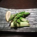 34669962 - アスパラ炙り焼き(780円)