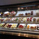 パティシエ シマ - 生ケーキも美味しそうですが、お値段はやや高め