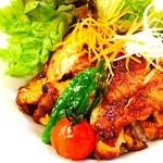 ツナグカフェ - カレー☆チキン丼¥1000(副菜3種、お味噌汁付)